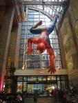 SONY PLAZA名物の巨大スパイダーマン!